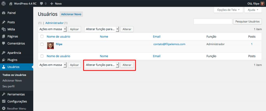 """A replicação do controle de seleção de função do usuário e do botão """"Alterar"""" para o rodapé da lista de usuários foi uma das melhorias no gerenciamento de usuários do WordPress 4.4."""